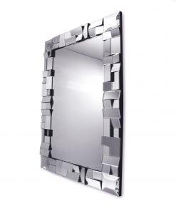 Oglinda Zuza